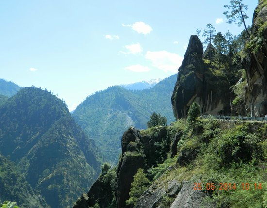 Prakash Regency : On the way to Sangla