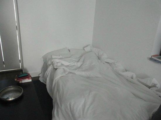 Hello Lisbon Santa Apolonia Apartments : Converted sofa bed