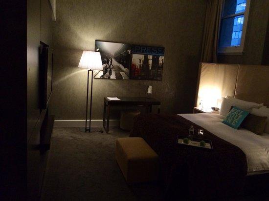 InterContinental Melbourne The Rialto : Level 6 - signature suite. Bedroom.