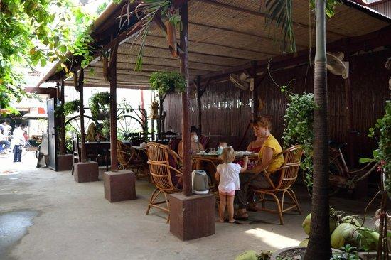 Orchide Siem Reap Lodge : Завтрак