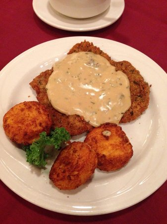 Bavarian Inn Restaurant : Hunter Schnitzel. So good!