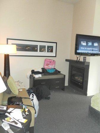 Black Rock Oceanfront Resort: sitting area...should have taken photos when first arrived