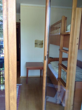 Hotel Sallerhof: 2-bedroom Suite - 2nd bedroom with bunk bed