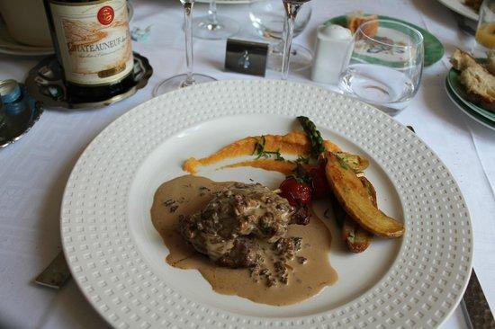 Hotel restaurant Fabry : Veau à la crème de morille