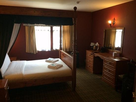The Drovers Inn: Lodge room 102