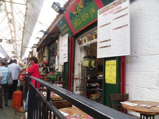 Manou Ba Shouk : The restaurant