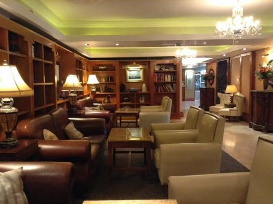 The Castlecourt Hotel: nice relaxation area
