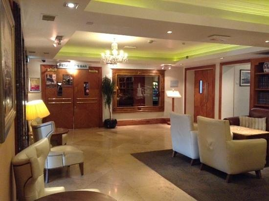 The Castlecourt Hotel: another small bit of the relaxation area