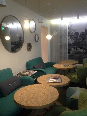 Le 1er Etage Marais: Living room