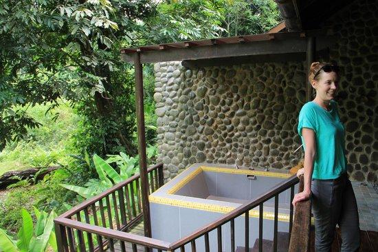 Borneo Rainforest Lodge: Hot tub on the room balcony
