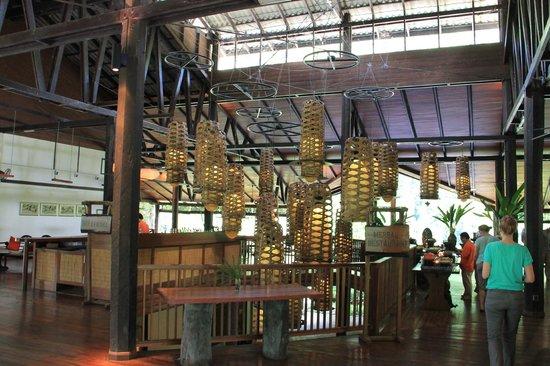 Borneo Rainforest Lodge: dining room
