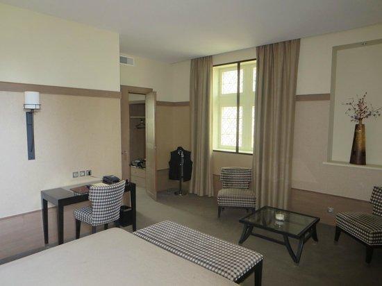 Hotel Au Logis des Remparts : chambre