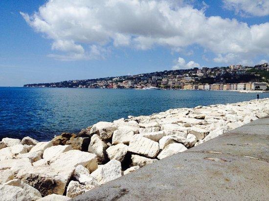 B&B Mergellina : View from promenade, only 4 minute walk away :)