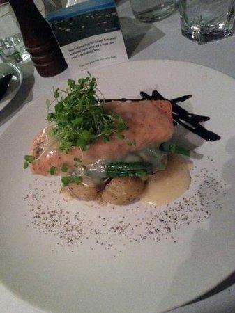 River Restaurant and Vineyard: River Restaurant - the salmon... yum