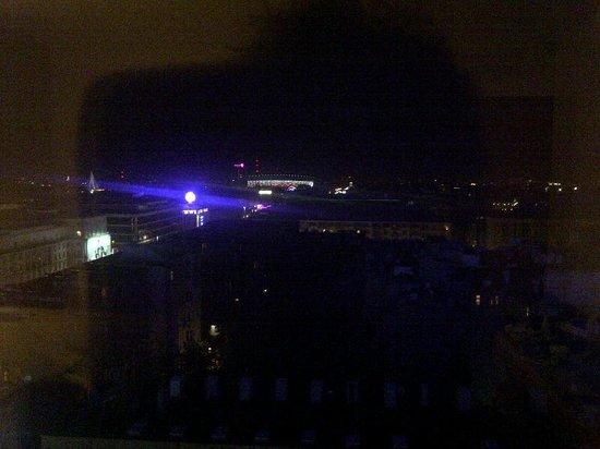 Novotel Warszawa Centrum : night view