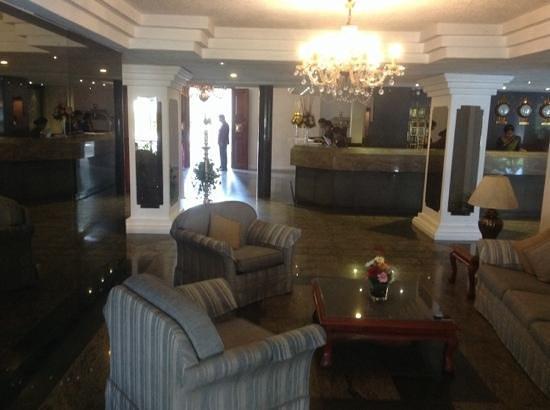 Mahaweli Reach Hotel : lobby area Mahaweli Reach