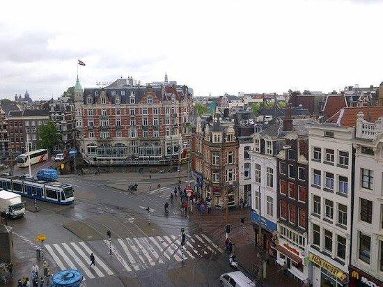 NH Carlton Amsterdam: Вид из окна номера