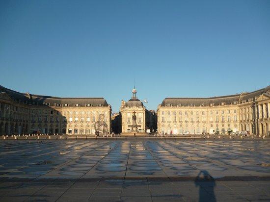 Place de la Bourse (Place Royale) : Площадь Биржи