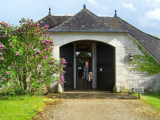Domaine de La Rhue : Entrance to accommodations.