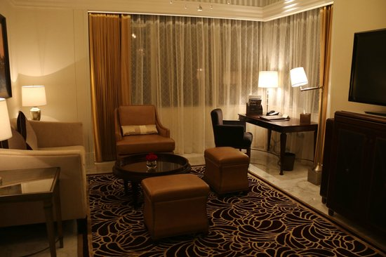 The St. Regis Abu Dhabi : St Regis Hotel - Suite Living Room