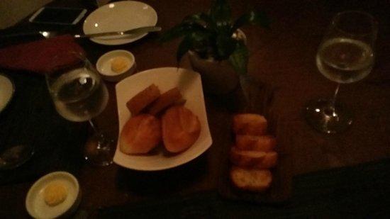 Acacia Tea Salon: Did I tell you I loved bread?