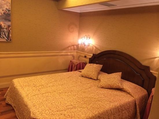 Hotel Al Codega: Zimmer mit Doppelbett