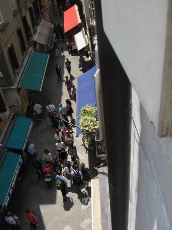 Hotel ai do Mori: Street Scene