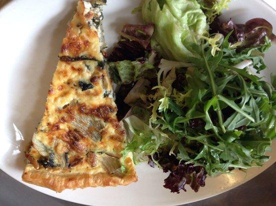 Chapel Arts Cafe: Amazing tart