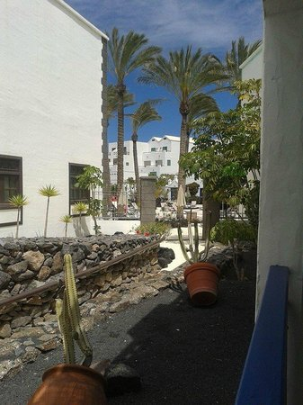 Hotel THe Volcan Lanzarote: Like i say, a little limited, but pretty.