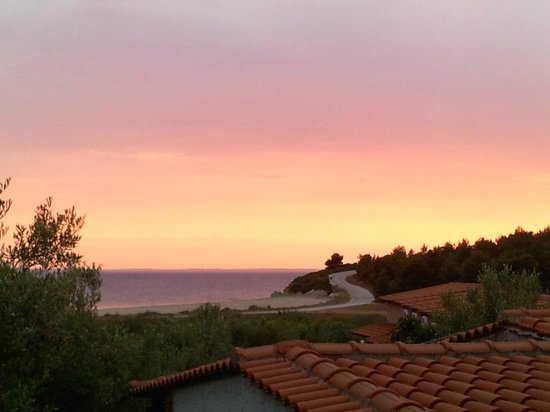 Village Mare Hotel: Beautiful sunsets