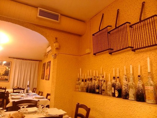 Una candela per ogni tavolo foto di osteria del moro - Tavolo matto porto potenza ...