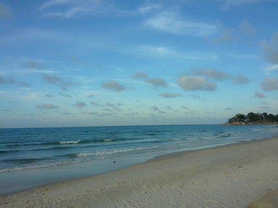 Matras Beach : the shore