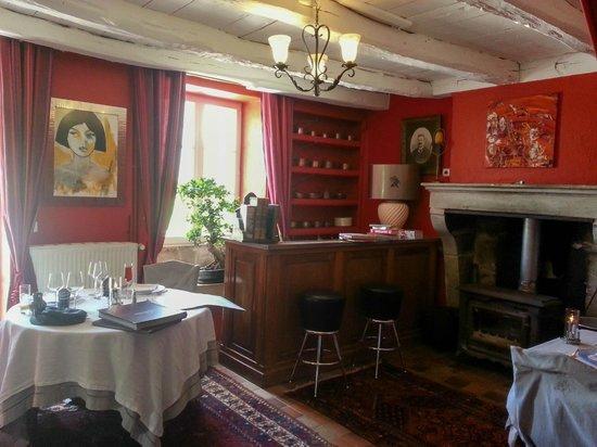 une des salles du restaurant photo de la source bleue gudmont villiers tripadvisor. Black Bedroom Furniture Sets. Home Design Ideas