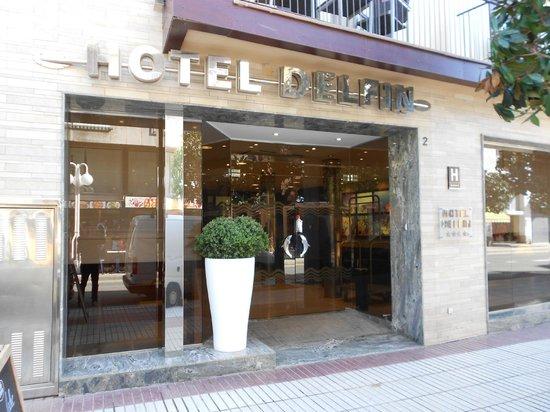 Hotel Delfin: Entrada Hotel