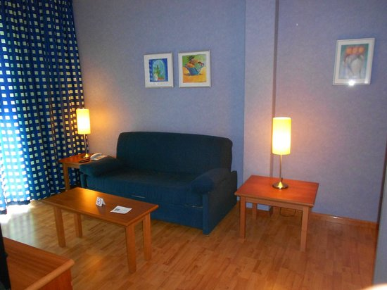 Hotel Delfin: Sala de estar