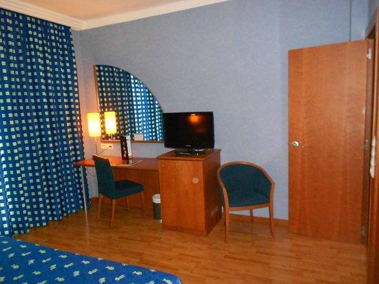 Hotel Delfin: Habitación