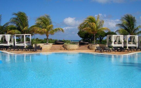 Melia Buenavista: piscina principal y acceso a la playa norte