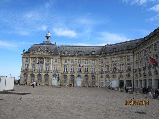 Place de la Bourse (Place Royale) : The place