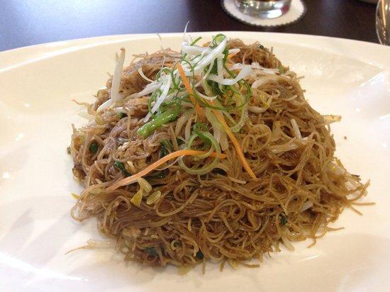 Dreamtel Kota Kinabalu: Fried Rice Noodle w Chicjen