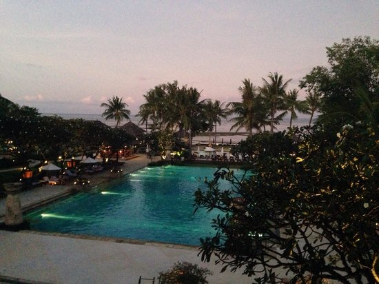 Conrad Bali: Dusk from the lobby lounge