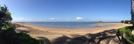 Conrad Bali: Panorama view of the beach