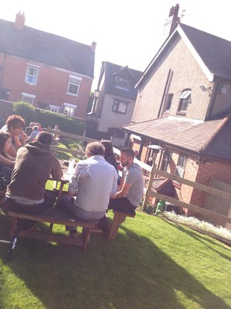 Cap and Stocking Ale House: Sunny BBQ bank holiday
