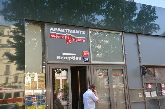 Hotel Apartments Wenceslas Square: Вход