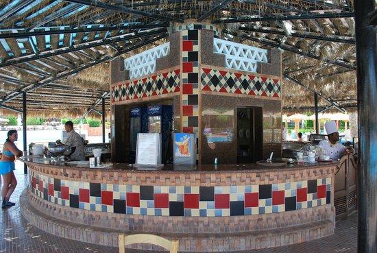 TUI Magic Life Sharm el Sheikh: Pool Bar