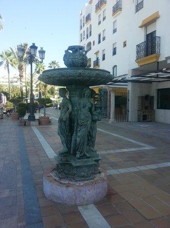 Gran Hotel Guadalpin Banus: town