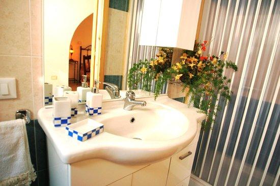 Il Simposio Bed&Wine : bagno
