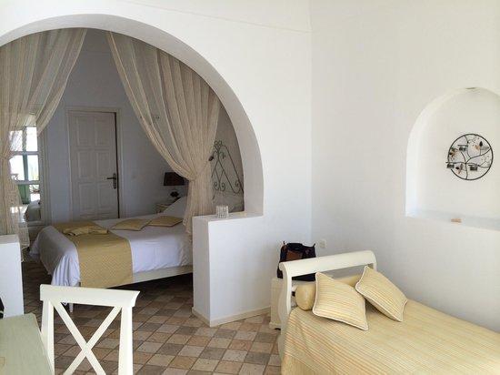 Anastasis Apartments: Our apartment