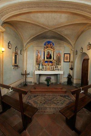 Relais Vignale: Chapel