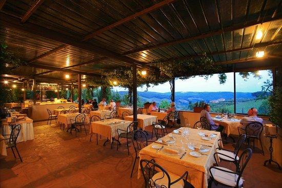 Relais Vignale: Restaurant Terrace