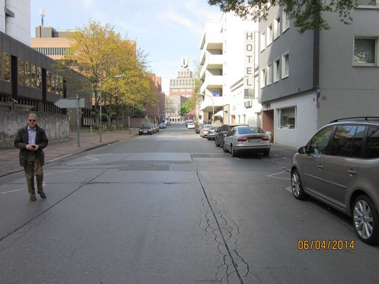 The Grey Hotel: Street where the Grey is situated